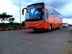 Nikmati Perjalanan Anda Dengan Sewa Bus Pariwisata Murah