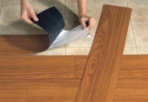 Langkah-langkah dalam Memasang Vinyl Untuk Lantai Anda