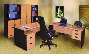 Memilih Meja Kerja Kantor yang Tepat