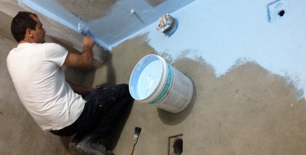 cara-memperbaiki-dinding-dan-lantai-toilet-yang-bocor